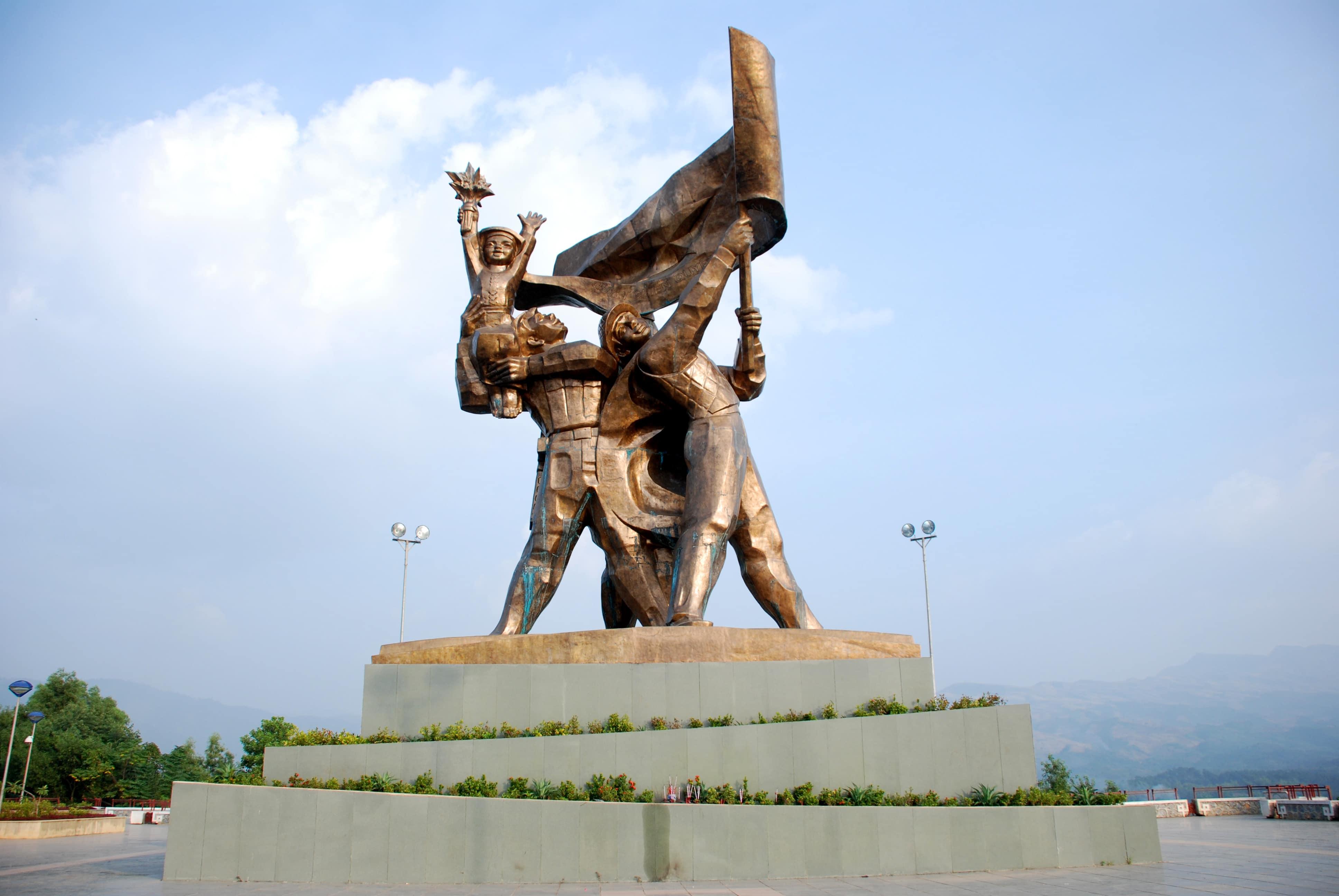 Bán nhớt Repsol chất lượng cao tại Điện Biên