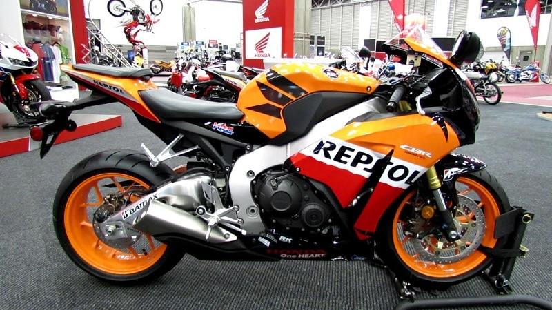 Thay nhớt Repsol Racing 10w40 cho Honda CBR 1000rr cặp đôi hoàn hảo